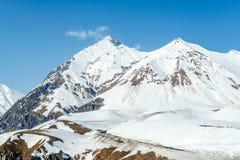 Χειμώνας στα μεγαλύτερα βουνά Καύκασου Στοκ εικόνες με δικαίωμα ελεύθερης χρήσης