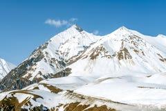 Χειμώνας στα μεγαλύτερα βουνά Καύκασου Στοκ Εικόνες