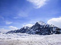 Χειμώνας στην Ελβετία, θέα βουνού στην Ελβετία Στοκ Εικόνα