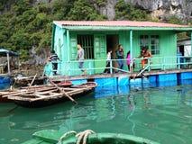Χειμώνας στον κόλπο Halong, Βιετνάμ, Ασία Στοκ φωτογραφία με δικαίωμα ελεύθερης χρήσης