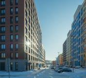 Χειμώνας Σύγχρονος κατοικημένος σύνθετος χαμηλός-ανόδου στοκ φωτογραφίες