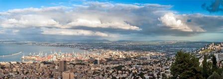 Χειμώνας της Χάιφα πόλεων πανόραμα στοκ εικόνες