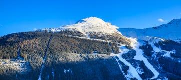 χειμώνας χιονιού βουνών Χιονοδρομικό κέντρο κακό Gastein Στοκ εικόνα με δικαίωμα ελεύθερης χρήσης