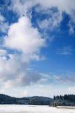 χειμώνας χιονιού μπλε ουρανού Στοκ εικόνες με δικαίωμα ελεύθερης χρήσης