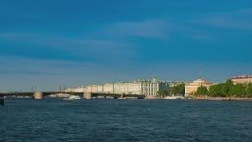 χειμώνας όψης της Ρωσίας Άγιος ποταμών της Πετρούπολης παλατιών neva Ρωσία απόθεμα βίντεο