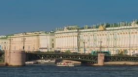 χειμώνας όψης της Ρωσίας Άγιος ποταμών της Πετρούπολης παλατιών neva απόθεμα βίντεο