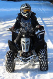 Χειμώνας Quading στο πλήρες εργαλείο Στοκ εικόνες με δικαίωμα ελεύθερης χρήσης