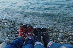 Χειμώνας seaview, ρομαντικός, άνθρωποι, νέα παραμονή ετών στοκ εικόνες