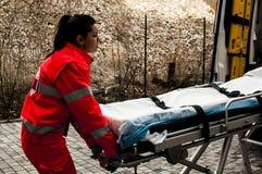 Χειριστής έκτακτης ανάγκης στη δράση για το ατύχημα Στοκ Εικόνα