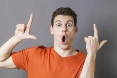 Χειρονομία χεριών LOL για να εκφράσει την ανόητη ασέβεια στοκ φωτογραφίες με δικαίωμα ελεύθερης χρήσης