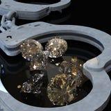 Χειροπέδες και διαμάντια που συμβολίζουν την τρισδιάστατη απόδοση ερωτευμένων υποθέσεων κακίας Στοκ Φωτογραφία