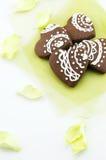 Χειροποίητα μπισκότα σοκολάτας μορφής καρδιών Στοκ φωτογραφία με δικαίωμα ελεύθερης χρήσης