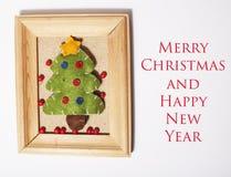 Χειροποίητα δώρα Χριστουγέννων στον ξύλινο τρύγο πλαισίων Στοκ εικόνα με δικαίωμα ελεύθερης χρήσης