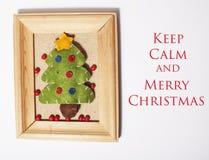 Χειροποίητα δώρα Χριστουγέννων στον ξύλινο τρύγο πλαισίων Στοκ φωτογραφίες με δικαίωμα ελεύθερης χρήσης