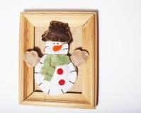 Χειροποίητα δώρα Χριστουγέννων στον ξύλινο τρύγο πλαισίων Στοκ εικόνες με δικαίωμα ελεύθερης χρήσης