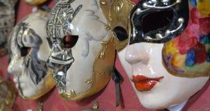Χειροποίητες ενετικές μάσκες καρναβαλιού στην πώληση φιλμ μικρού μήκους