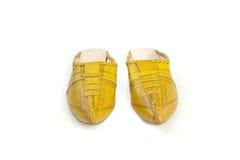 Χειροποίητες κίτρινες παντόφλες του μαροκινού κοριτσιού Στοκ φωτογραφία με δικαίωμα ελεύθερης χρήσης