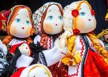 Χειροποίητες ρουμανικές κούκλες Στοκ φωτογραφίες με δικαίωμα ελεύθερης χρήσης