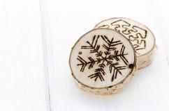 Χειροποίητη διακόσμηση διακοσμήσεων Χριστουγέννων Στοκ Εικόνες