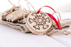 Χειροποίητη διακόσμηση διακοσμήσεων Χριστουγέννων Στοκ φωτογραφία με δικαίωμα ελεύθερης χρήσης