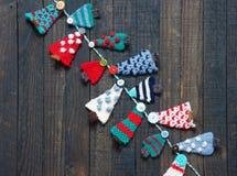 Χειροποίητη διακόσμηση, πλεκτό δέντρο πεύκων, Χριστούγεννα, Χριστούγεννα Στοκ Εικόνες