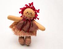 Χειροποίητη κόκκινη ελεγμένη κουρελιασμένη κούκλα της Ann Στοκ Εικόνες