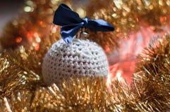 Χειροποίητη σφαίρα Χριστουγέννων Στοκ Φωτογραφία