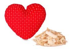 Χειροποίητο άσπρο μαξιλάρι πεύκων arolla με μια κάλυψη βαμβακιού στη μορφή καρδιών Στοκ εικόνα με δικαίωμα ελεύθερης χρήσης