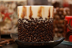 χειροποίητο απομονωμένο αντικείμενο καφέ κεριών Στοκ φωτογραφία με δικαίωμα ελεύθερης χρήσης