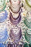 Χειροποίητο κόσμημα, περιδέραια, βραχιόλια και σκουλαρίκια Στοκ φωτογραφία με δικαίωμα ελεύθερης χρήσης