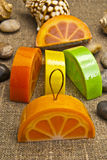 Χειροποίητο σαπούνι υπό μορφή πορτοκαλιού Στοκ φωτογραφία με δικαίωμα ελεύθερης χρήσης