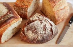 χειροτεχνικά ψωμιά Στοκ φωτογραφίες με δικαίωμα ελεύθερης χρήσης