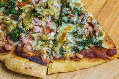 Χειροτεχνική πίτσα Στοκ Φωτογραφίες