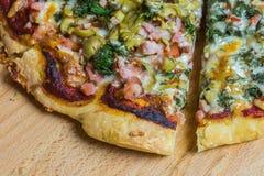Χειροτεχνική πίτσα Στοκ εικόνες με δικαίωμα ελεύθερης χρήσης