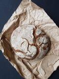Χειροτεχνικό στρογγυλό ψωμί Στοκ εικόνα με δικαίωμα ελεύθερης χρήσης
