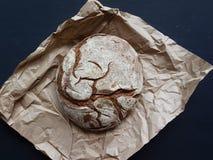 Χειροτεχνικό στρογγυλό ψωμί Στοκ Φωτογραφία