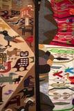 Χειροτεχνικό χειροποίητο κλωστοϋφαντουργικό προϊόν στον Ισημερινό Στοκ φωτογραφία με δικαίωμα ελεύθερης χρήσης