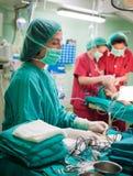 χειρουργική επέμβαση παιδιών κάτω Στοκ εικόνα με δικαίωμα ελεύθερης χρήσης