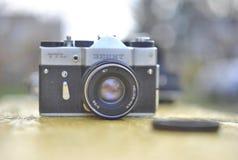 Χειρωνακτική κάμερα, Zenit TTL, εκλεκτής ποιότητας κάμερα, Lomo, κάμερα της ΕΣΣΔ, αναδρομική ταινία Στοκ Εικόνες