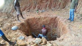 Χειρωνακτικό σκάψιμο Στοκ φωτογραφίες με δικαίωμα ελεύθερης χρήσης