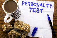 Χειρόγραφο κείμενο που παρουσιάζει επιχειρησιακή έννοια δοκιμής προσωπικότητας για την αξιολόγηση της τοποθέτησης που γράφεται σε Στοκ Εικόνα