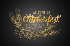 Χειρόγραφο κείμενο Oktoberfest φεστιβάλ μπύρας του Μόναχου με την απεικόνιση τέχνης γραμμών των κεφαλιών σίτου και των κώνων λυκί Στοκ Εικόνες