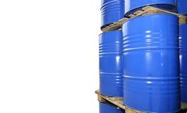 Χημικές δεξαμενές που αποθηκεύονται στην αποθήκευση των αποβλήτων που απομονώνεται στο λευκό Στοκ εικόνα με δικαίωμα ελεύθερης χρήσης