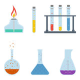Χημικές φιάλες που απομονώνονται σε ένα άσπρο υπόβαθρο τα εικονίδια εικονιδίων χρώματος χαρτονιού που τίθενται κολλούν το διάνυσμ Στοκ φωτογραφία με δικαίωμα ελεύθερης χρήσης