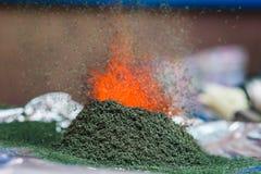 Χημική αντίδραση του διχρωμικού άλατος αμμωνίου εάν αναφλέγει Στοκ φωτογραφίες με δικαίωμα ελεύθερης χρήσης
