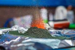 Χημική αντίδραση του διχρωμικού άλατος αμμωνίου εάν αναφλέγει Στοκ εικόνα με δικαίωμα ελεύθερης χρήσης