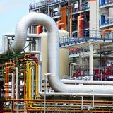Χημική βιομηχανία - εργοστάσιο για την κατασκευή του χημικού σπρωξίματος στοκ εικόνα