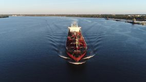 Χημικός ποταμός Φιλαδέλφεια PA του Ντελαγουέρ βυτιοφόρων πετρελαίου απόθεμα βίντεο