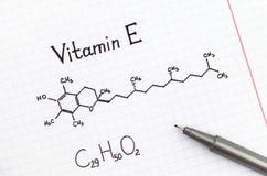 Χημικός τύπος της βιταμίνης Ε με τη μάνδρα στοκ εικόνες