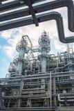 Χημικό εργοστάσιο που παράγει το συνθετικό λάστιχο Στοκ Εικόνες